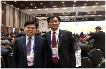 董事长王友林与亨通集团董事局主席崔根良合影