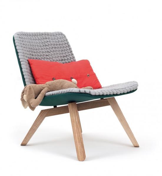 看到这些椅子,你能忽视吗?