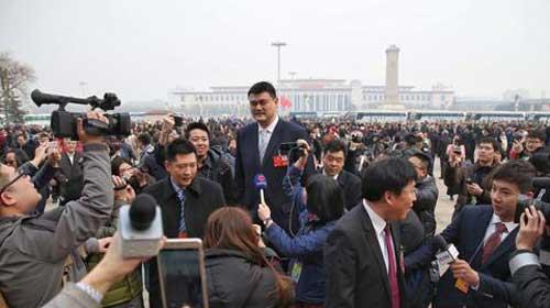 全国政协委员、中国篮协主席姚明。