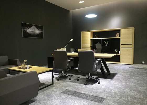 三间不同色彩营造的研发总监、市场总监、设计总监独立空间,各在9平方的空间内创造出一种想象不到的完美感受。