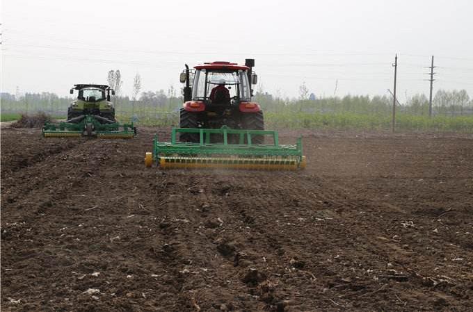 农业农村部:采取政府购买服务 实施农机深松整地