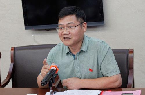 江西省<a href=http://www.caigou2003.com/ target=_blank class=infotextkey>政府采购</a>工作领导小组办公室主任 谢凤根