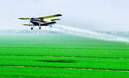 农业农村部:推进农业航空植保统防统治服务作业