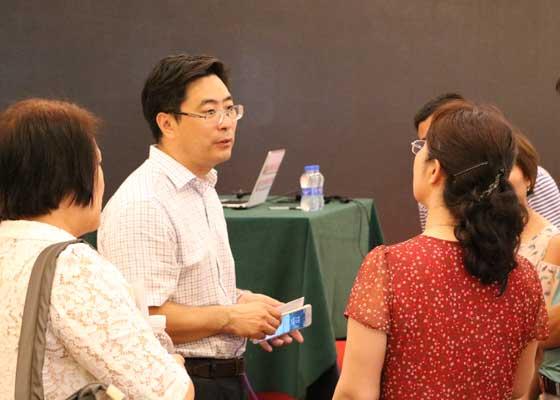 課后老師和學員交流
