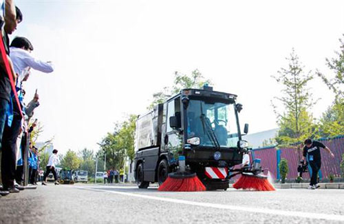 北京环卫集团推出7款无人驾驶环卫车
