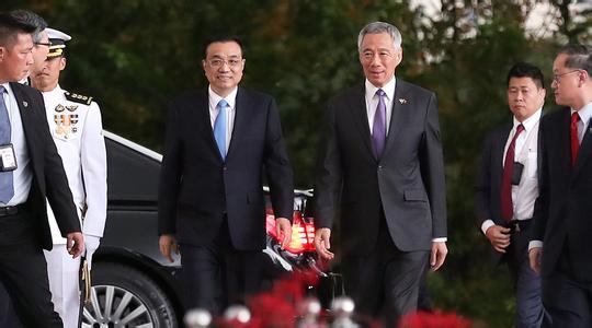 李克强:以更积极姿态推进中日韩自贸区谈判