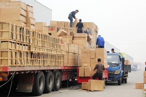 """财经观察:中国""""购物车""""激发全球商业活力"""