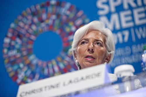 "IMF总裁告诫美国""国际经济合作是必选"""