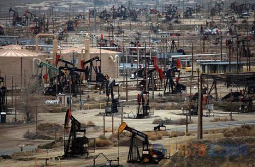 日媒:美原油产量时隔45年再夺冠