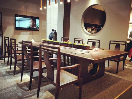 中泰龙中式办公家具.jpg