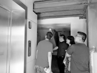 郑州中原区一老旧小区一口气装了23台电梯