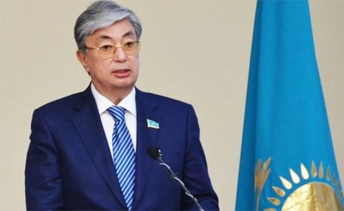 哈薩克斯坦總統要求引入外國專家