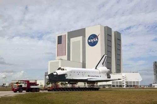 美航天局选择3家企业向月表运送载荷