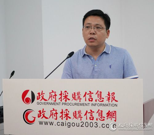 扬州大学采购管理办公室主任孔凡勤(张静摄影).jpg