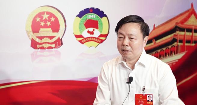 全国人大代表、云南省财政厅厅长张岩松