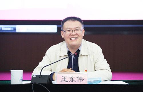 全国人大代表、河南省财政厅厅长王东伟