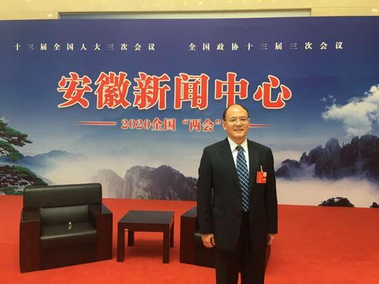 全国人大代表、江淮汽车高级工程师周福庚-550.jpg