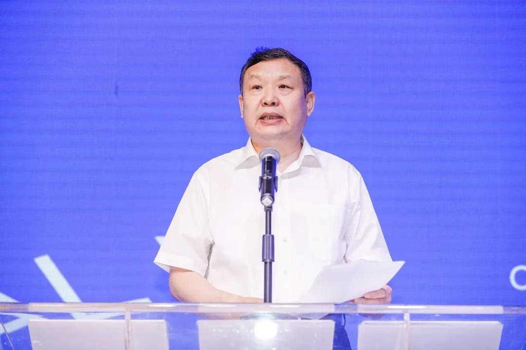 中国家具协会徐祥楠理事长致辞