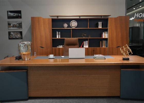 在本次展会上,环保、智能化、新中式家具成为参展商主要展示元素。
