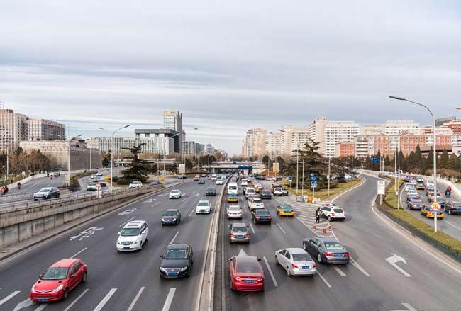 新能源公交客车来了 为市民出行提供更好服务