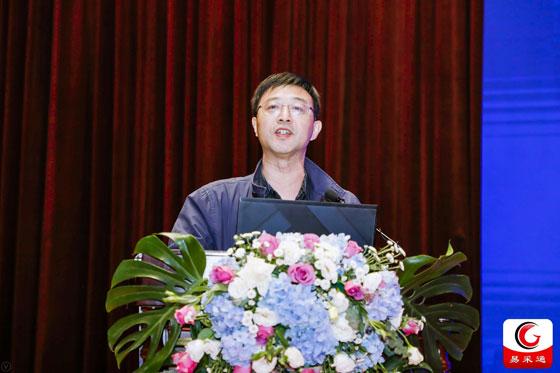 江西省財政廳黨組成員、副廳長鄧忠在15屆全國政府采購監管峰會上致歡迎辭