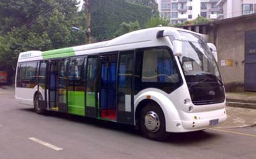 电动汽车目前主要应用在公交,环卫,旅游,电力等公共领域.